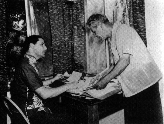 Desmond Leslie (left) with George Adamski.