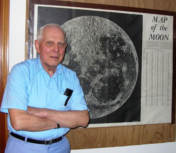 Ray Fowler offers courses through Adult Education of the Kennebunks on subjects ranging from astronomy to near-death experiences, at his home studio in Kennebunk. (Credit: The Village/Faith Gillman)
