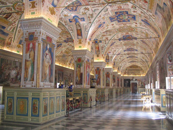 The Sistine Hall of the Vatican Library. (Credit: Maus-Trauden/Wikimedia Commons)