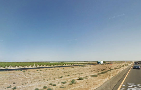 There are lots of open fields along Highway 5 near Coalinga, CA, where the witness reports that the triangle-shaped object landed. (Credit: Google.)
