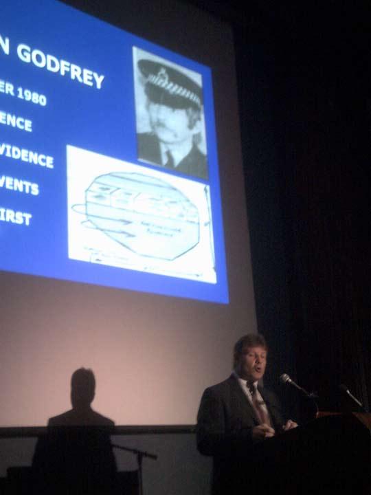 Gary Heseltine, lecturing on UK police UFO reports (credit: Skylaire Alfvegren).