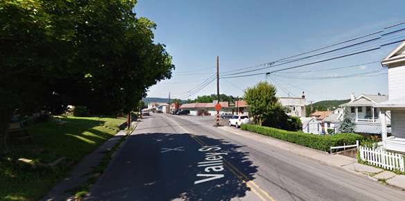 The Lewistown, PA, witness described the object as blue-white energy hovering just over a neighbor's rooftop on July 29, 2014. Pictured: Lewistown, PA. (Credit: Google)
