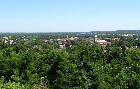 The witness first thought the object was a meteor. Pictured: Chillicothe from Grandview Cemetery. (Credit: Wikimedia Commons)