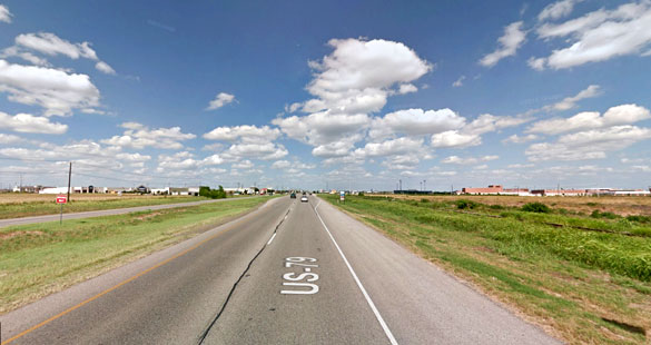 The witness first noticed a green light close to the ground level in Hutto, Texas, on November 22, 2015. Pictured: Hutto, Texas. (Credit: Google)