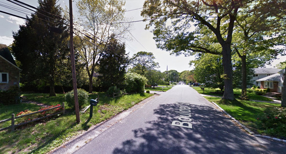 The witness saw the UFO just 500 feet away and under 500 feet, but was not able to shoot video until the object moved further away. Pictured: Ronkonkoma, NY. (Credit: Google Maps)