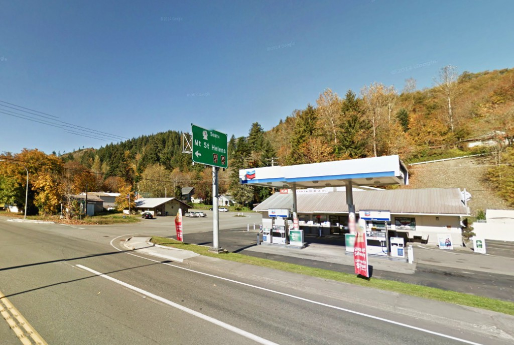 When the ground light was turned off, the UFO was still completely lit for a few seconds. Pictured: Randle, WA. (Credit: Google)