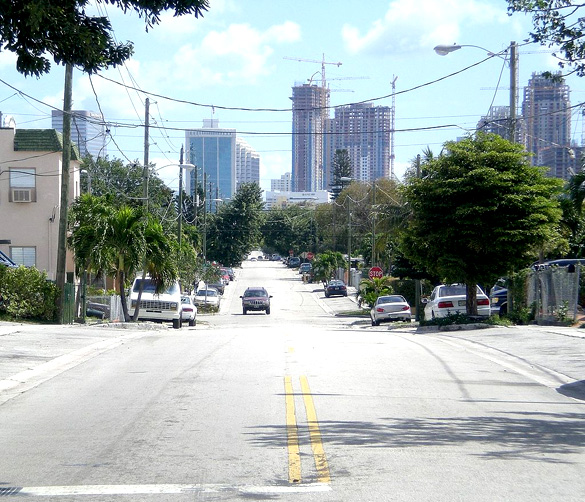 The object was shining a light down on them. Pictured: Miami, Florida. (Credit: Wikimedia Commons)