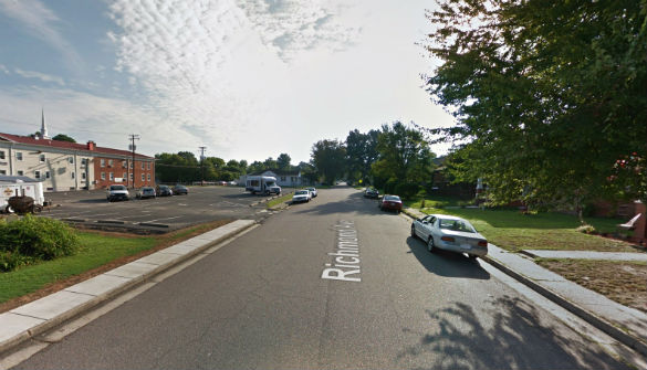 The witness watched as many, smaller objects moved out of the larger object. Pictured: Richmond Avenue, a half block east of the Boulevard. (Credit: Google)