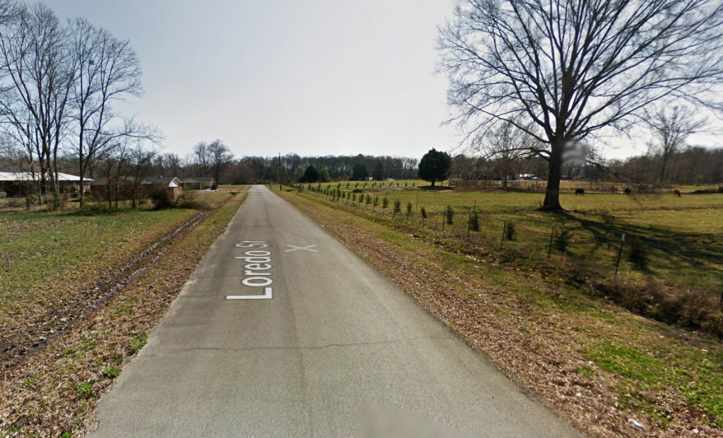 The two witnesses also noticed that streets lights were shutting off and that their watches had stopped. Pictured: Scottsboro, AL. (Credit: Google)