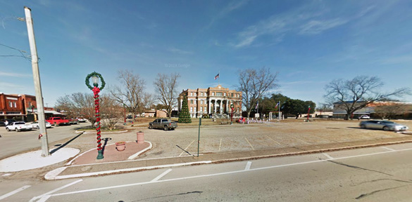 The witness noticed power lines in the area where the object was originally hovering. Pictured: Fairfield, TX, near county route's 2570 and 833. (Credit: Google Maps)