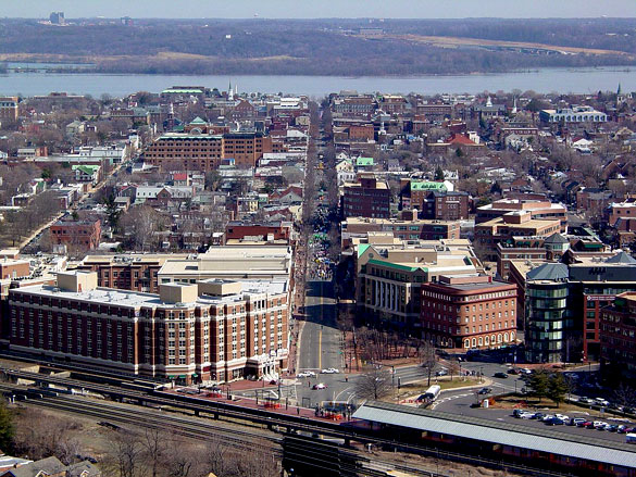 The objects seemed to be traveling between 25 and 30 mph and were about a half-mile away. Pictured: Old Town Alexandria, VA. (Credit: Wikimedia Commons)