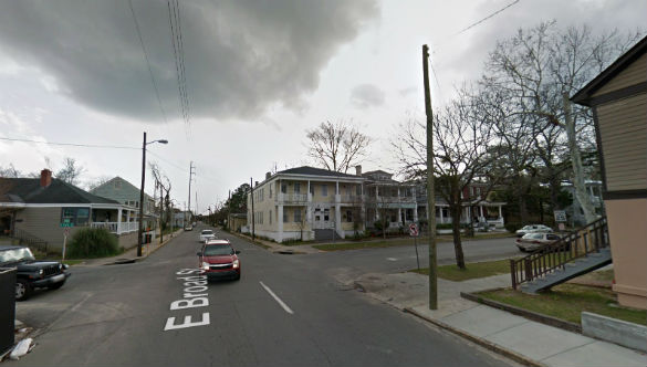 The objects were quickly lost due to buildings and trees. Pictured: East Broad Street, Savannah, GA. (Credit: Google)