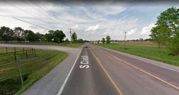The witness attempted to communicate with the object when it stopped. Pictured: Mexico, Missouri. (Credit: Google)