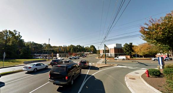 Il testimone stava guidando lungo la Route 29 a nord nei pressi dei negozi Kroger e K-Mart, nella foto.  (Credit: Google)