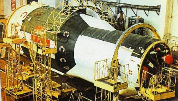 The Salyut 3 (Almaz-2 orbital battle station) during construction.