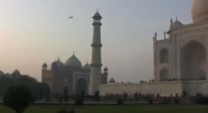 Alleged UFO over the Taj Mahal. (Credit: YouTube)